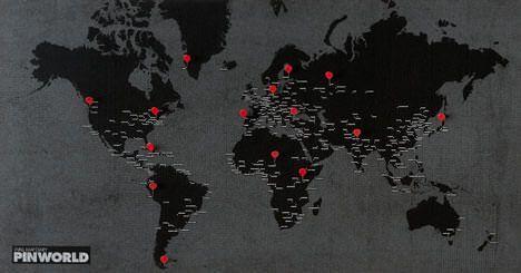 Pin World Weltkarte In Schwarz Die Coole Vlieskarte Fur Reisende